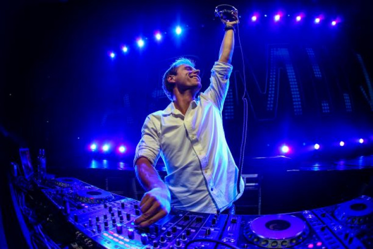 Armin van Buuren - 20131114-AOAMS-Rudgrcom-0185-3000pxLR.jpg